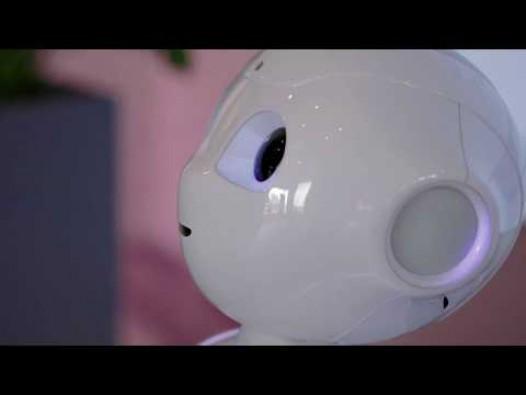 Embedded thumbnail for Cilvēkveidīgais robots Pepper